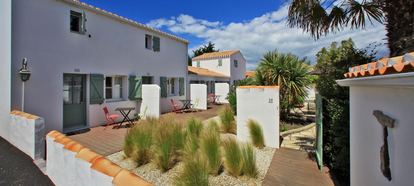 Une résidence avec 14 locatifs et piscine intérieure en Vendée