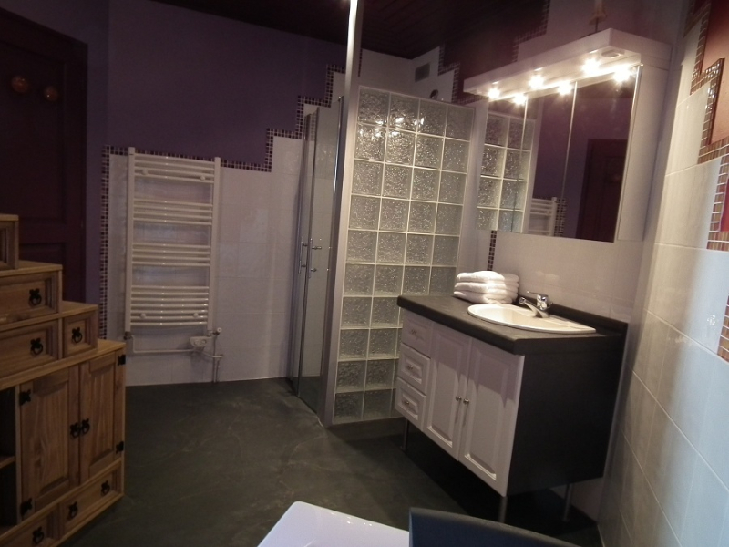 salle de bain baignoire balnéothérapie noirmoutier location piscine spa