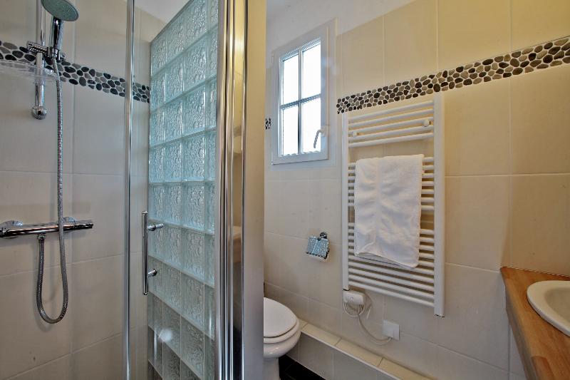 salle de bain location noirmoutier piscine spa