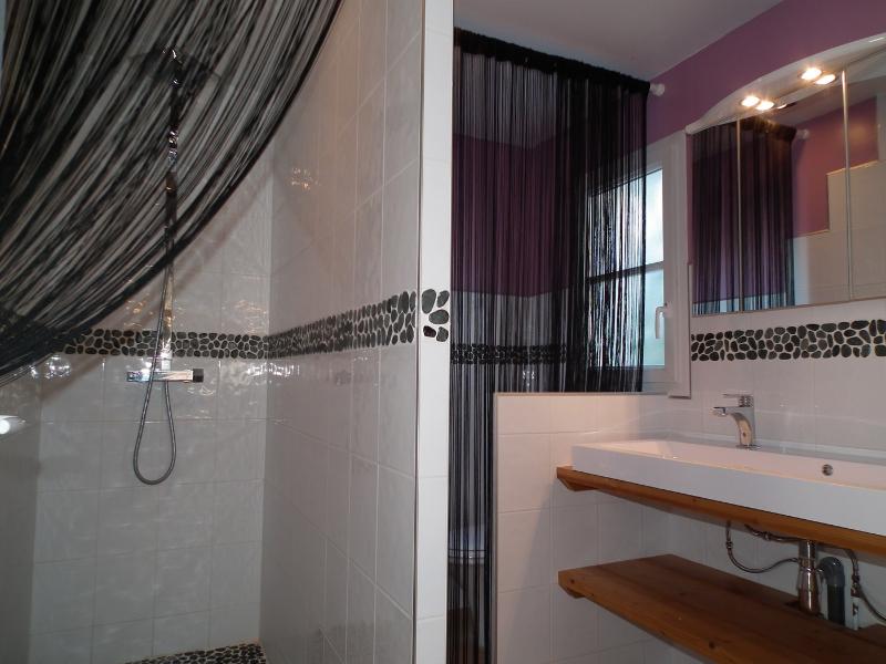 salle de bain location 5 personnes noirmoutier bois de la chaize piscine intérieure