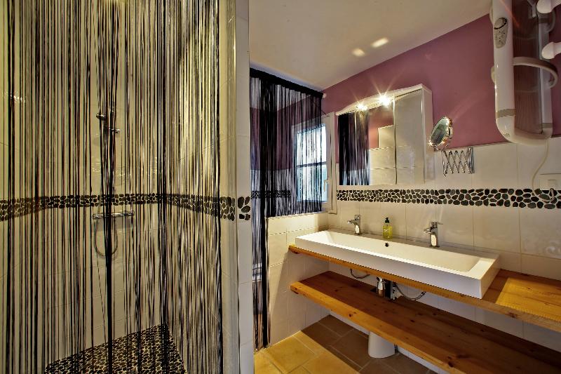 salle de bain location 5 personnes noirmoutier bois de la chaize piscine